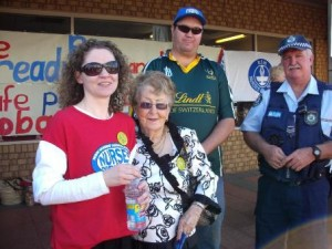 Nurses and community rally to stop nursing cuts at Cobar Hospital.