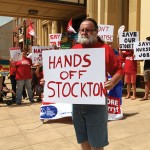 01_Stockton Centre Nurse Terry rallying outside Maitland Town Hall 10_2_14